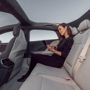 lucid-air-interior-07.jpg